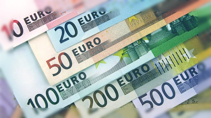 Euro avanza vs el peso mexicano. 19/Ago/2019